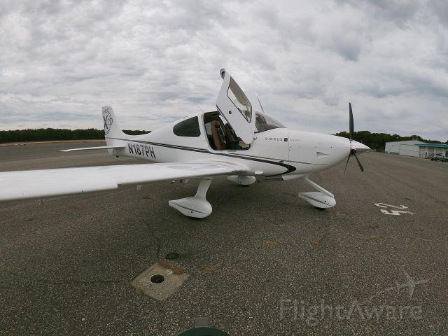 Cirrus SR-20 (N187PH) - DFN