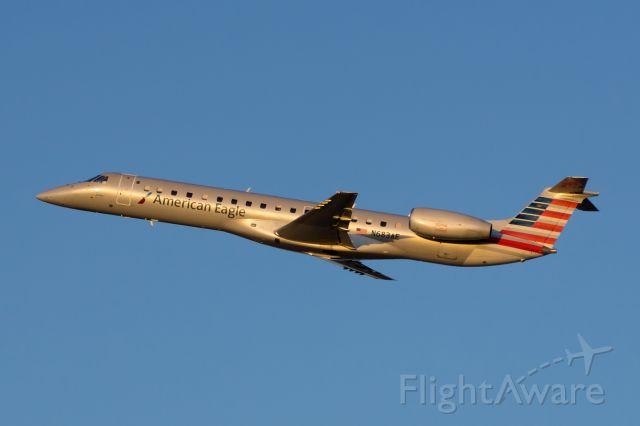 Embraer ERJ-145 (N683AE)