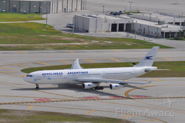 Airbus A340-300 (LV-CEK) - A340-300
