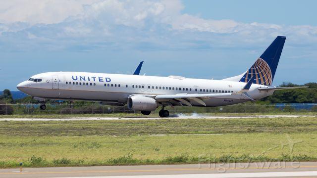 Boeing 737-900 (N39461) - Arrival from KEWR.