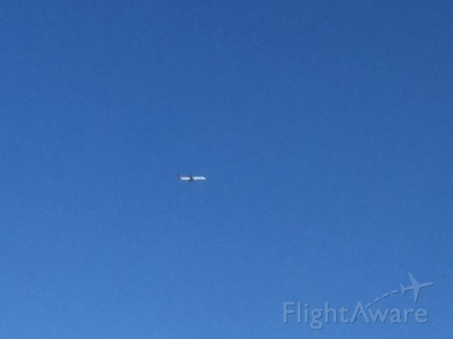 Boeing 757-200 (N17139) - The plane was flying over Fairfax County on approach to IAD.