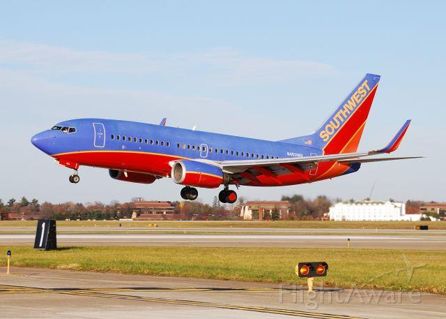 Boeing 737-700 (N453WN)