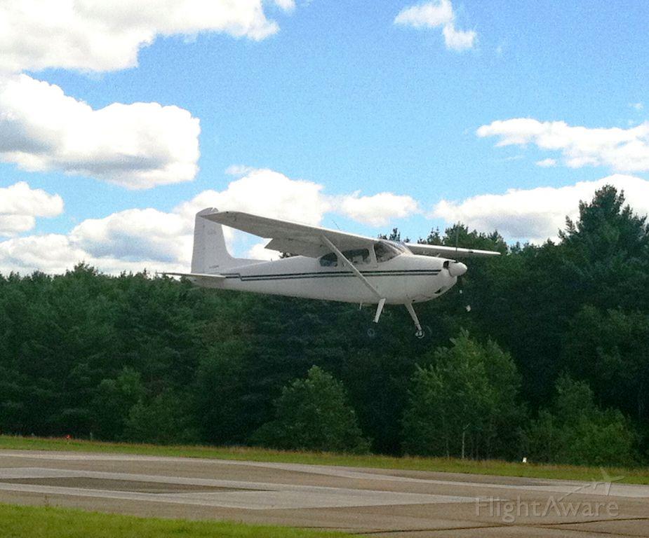 Cessna Skywagon 180 (N2369C)