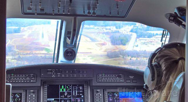 Pilatus PC-12 (N539AF) - Final approach into KAVL on Cobalt Air PC-12 Charter Feb 2017