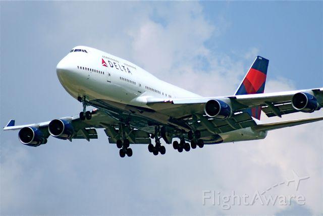 Boeing 747-200 (N669US)