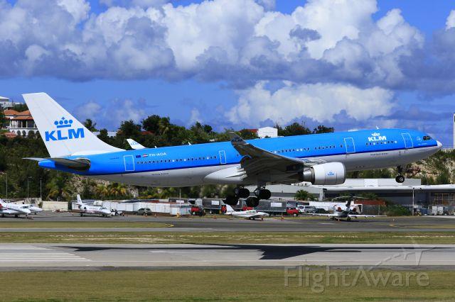 Airbus A330-200 (PH-AOA) - KLM PH-AOA