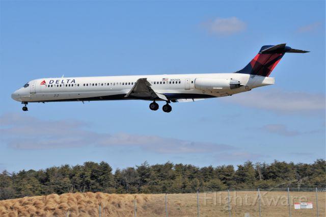 McDonnell Douglas MD-88 (N926DL)