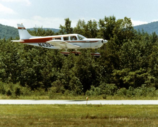 Piper Saratoga (N4394T) - BTL to RUT landing