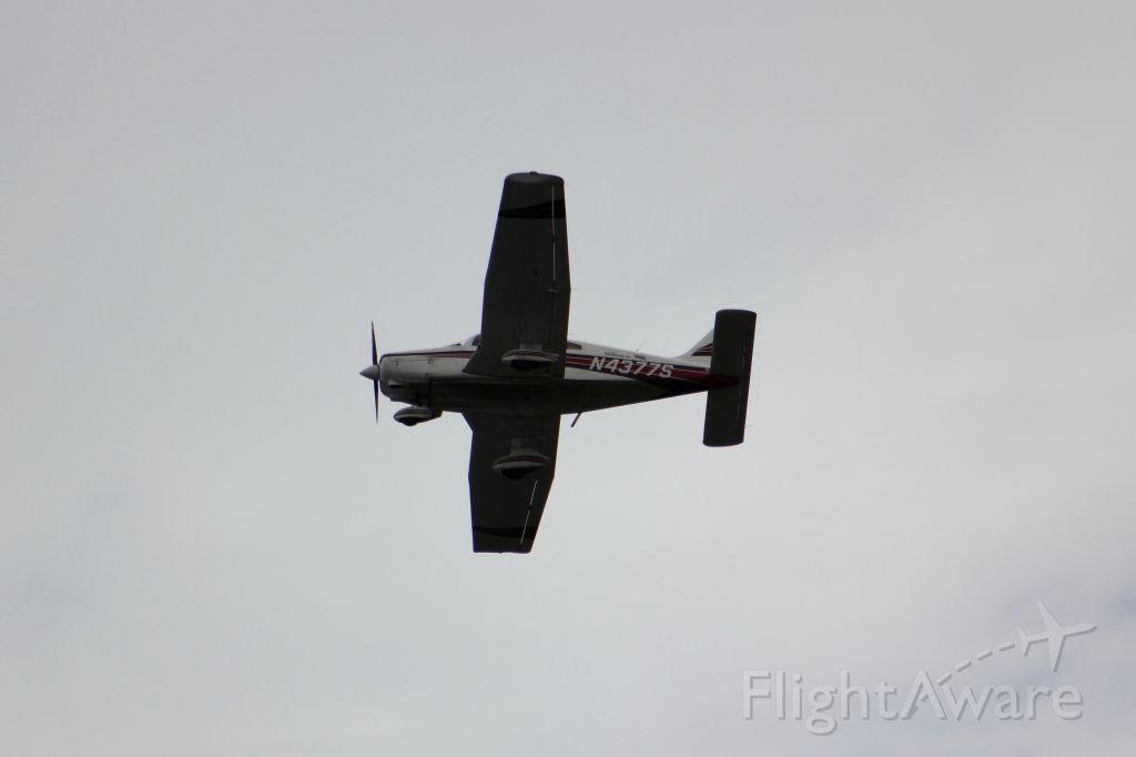 Piper Cherokee (N4377S)