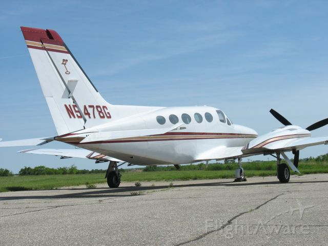 Cessna 421 (N5478G)