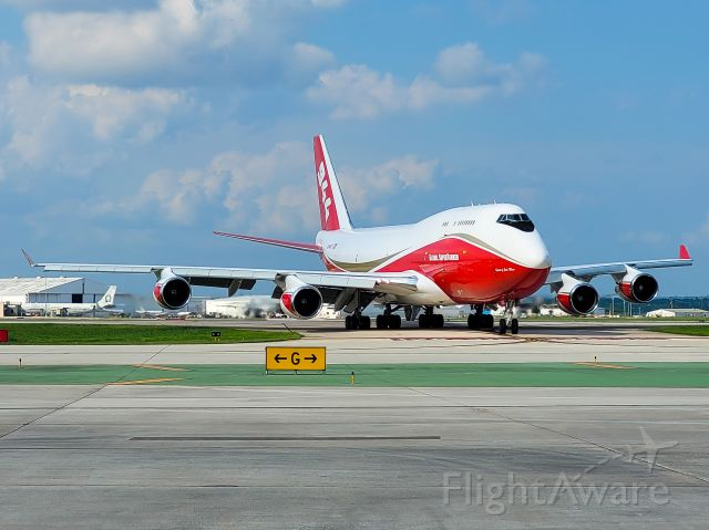 Boeing 747-400 (N744ST) - The Global Supertanker arrives into San Antonio after what might be its final flight. Rumor has it the tanker will be converted to a freighter.