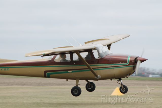 Cessna Skyhawk (N7252G)