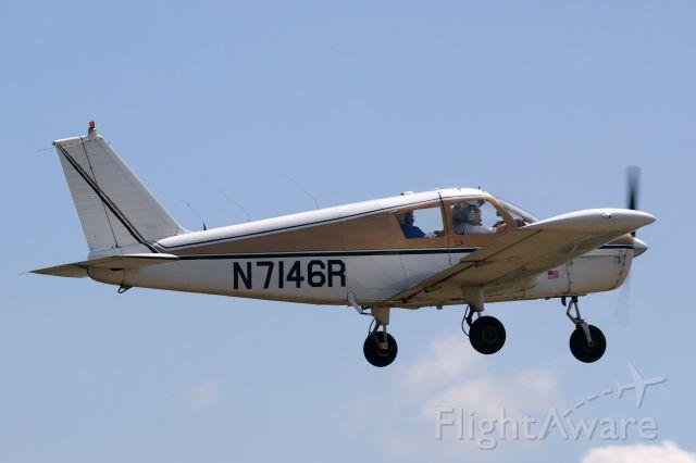 Piper Cherokee (N7146R)