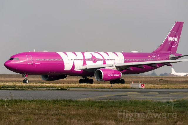 Airbus A330-300 (EC-MIO)