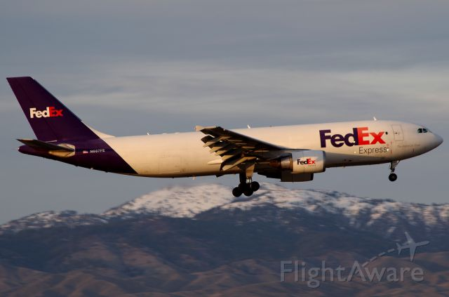 Airbus A300F4-600 (N687FE) - Last light of the day!
