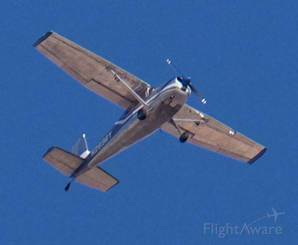Cessna Skywagon 180 (N2696Y) - at approx. 7300' MSL<br />Lone Pine, California, Nov. 28, 2020