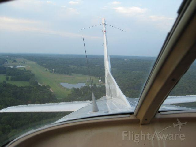 Cessna Skyhawk (N738PV) - Departing Triple Tree