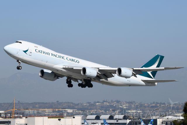BOEING 747-8 (B-LJB) - Takes off.