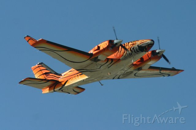 Beechcraft Baron (58) (N18VJ)