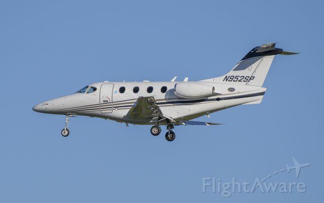 Beechcraft Premier 1 (N952SP) - Arriving rwy 2L @KDPA.