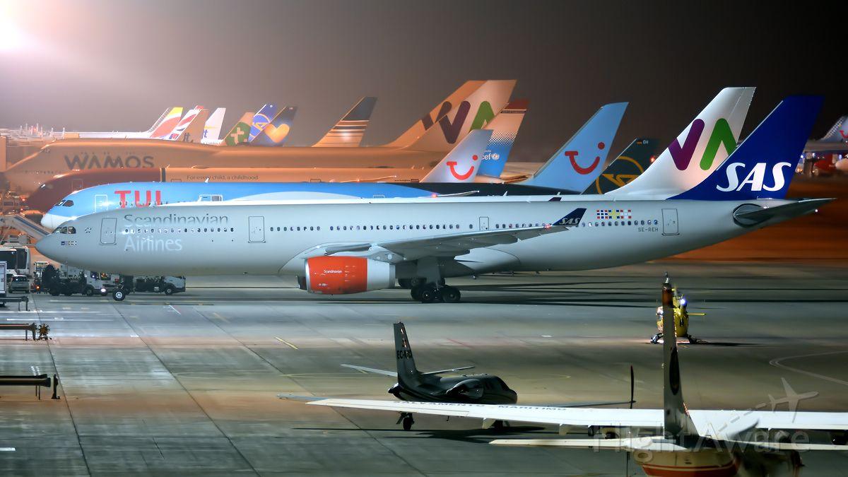 Airbus A330-300 (SE-REH)