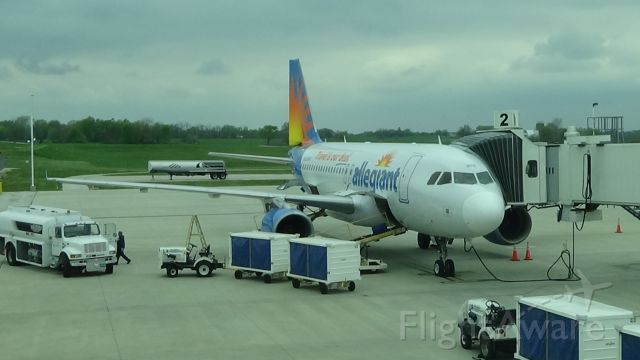 Airbus A319 (N308NV) - Been a long time since I've gotten a view like this. Date - April 17, 2021