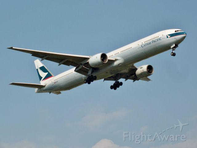 Boeing 777-200 (B-HNO)