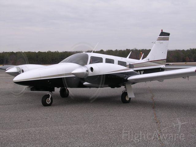 Piper Seneca (N1142X) - Seneca II on the ramp at Brookhaven Airport