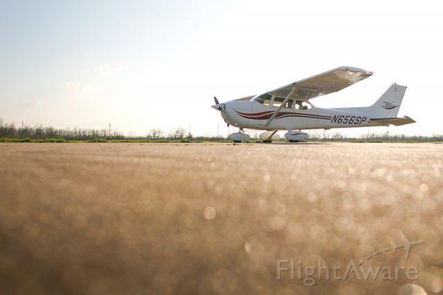 N656SP — - Houston Flight Training Cessna 172SP