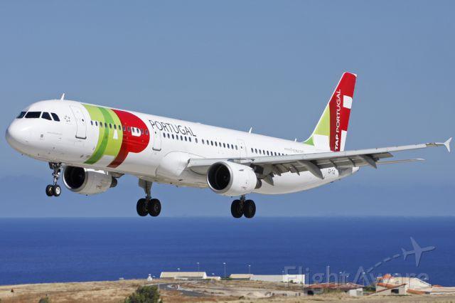 Airbus A321 (CS-TJG)