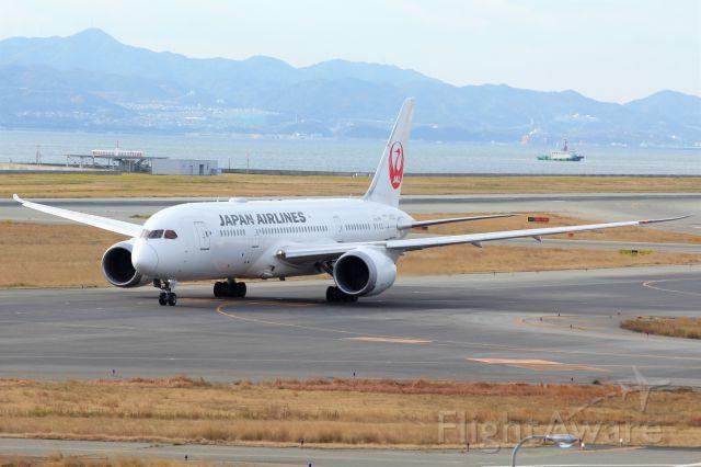 Boeing 787-8 (JA826J)