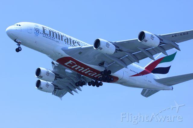 Airbus A380-800 (A6-EDZ)