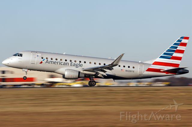 Embraer 175 (N426YX)