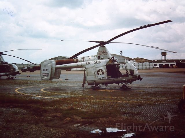 — — - Kaman HH-43B Huskie AT TAN SON NHUT AIR BASE, SAIGON, VIETNAM 1966