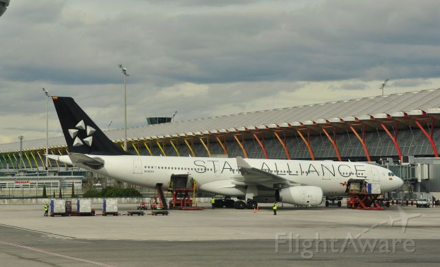 Airbus A330-200 (N342AV) - Avianca Airbus A330-200 N342AV in Madrid Barajas