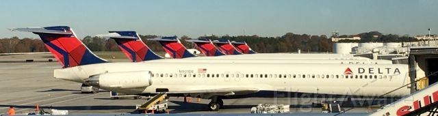 McDonnell Douglas MD-88 (N901DE) - MD-88s as far as the eye can see!