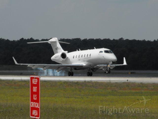 Bombardier Challenger 300 (XOJ538) - XOJ538 landing RWY 9 at TLH