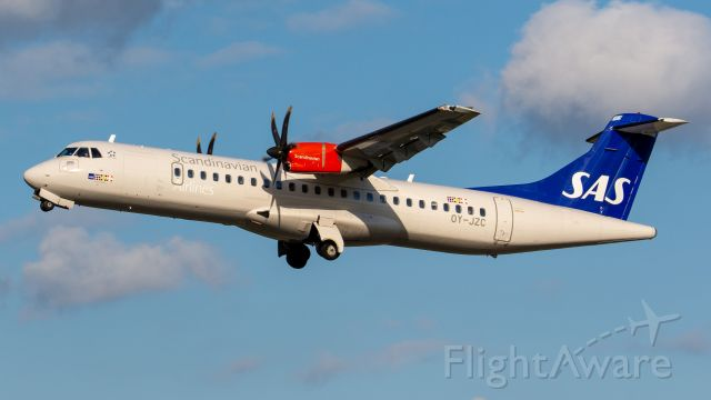 ATR ATR-72 (OY-JZC)