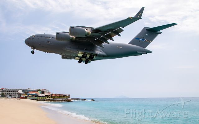 Boeing Globemaster III (08-0001) - Strategic Airlift Capability over Maho Beach arriving from Eindhoven, Nederlands to St. Maarten with Medical Supplies. #covid19