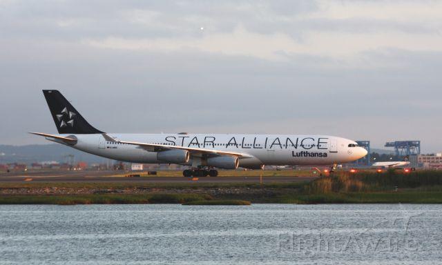 Airbus A340-300 (D-AIGC)
