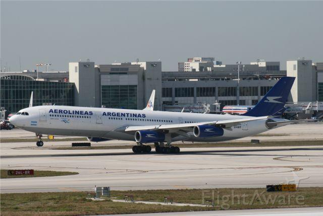 Airbus A340-300 (LV-BIT)