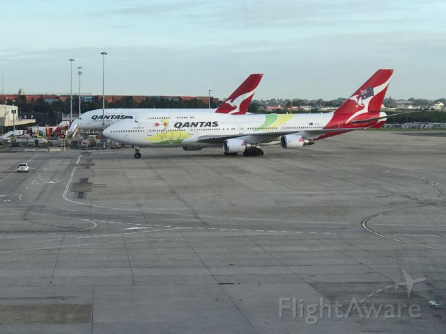 Boeing 747-400 (VH-OEJ)