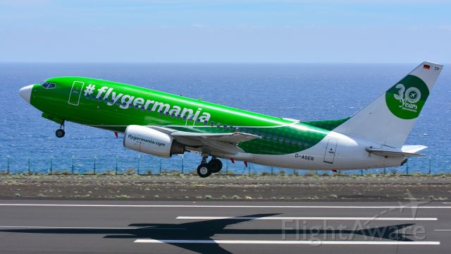 Boeing 737-700 (D-AGER)