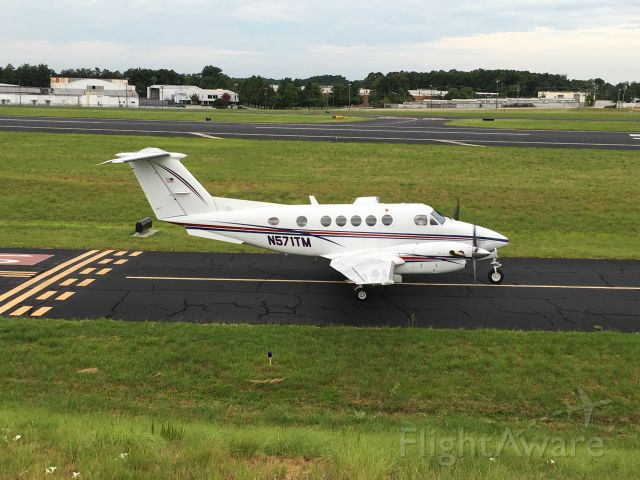 Beechcraft Super King Air 200 (N571TM)