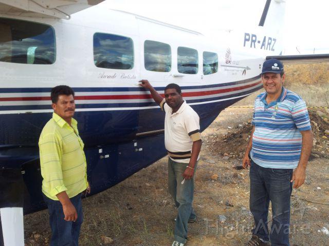 PR-ARZ — - Este avião, pertencente ao cantorAmado Batista fez um pouso forçado na rodovia BA-262, próximo da cidade de Aracatu no estado da Bahia, no dia 02.07.2012