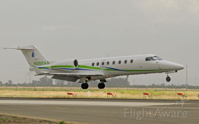 Learjet 45 (N300AA) - Landing runway three-zero, Merced Regional Airport