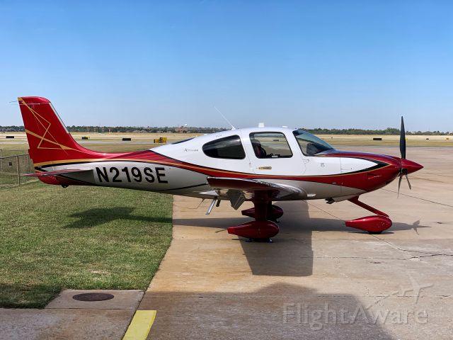 Cirrus SR22 Turbo (N219SE)