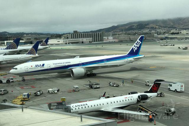 BOEING 777-300 (JA780A)