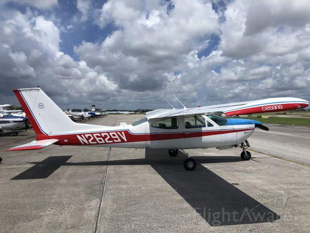 Cessna 177RG Cardinal RG (N2629V)
