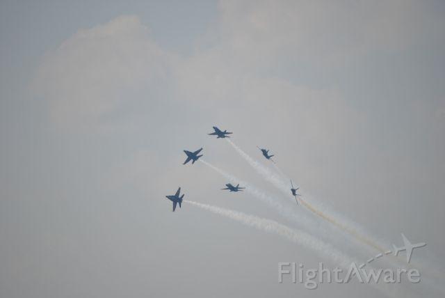 McDonnell Douglas FA-18 Hornet — - BREAK!